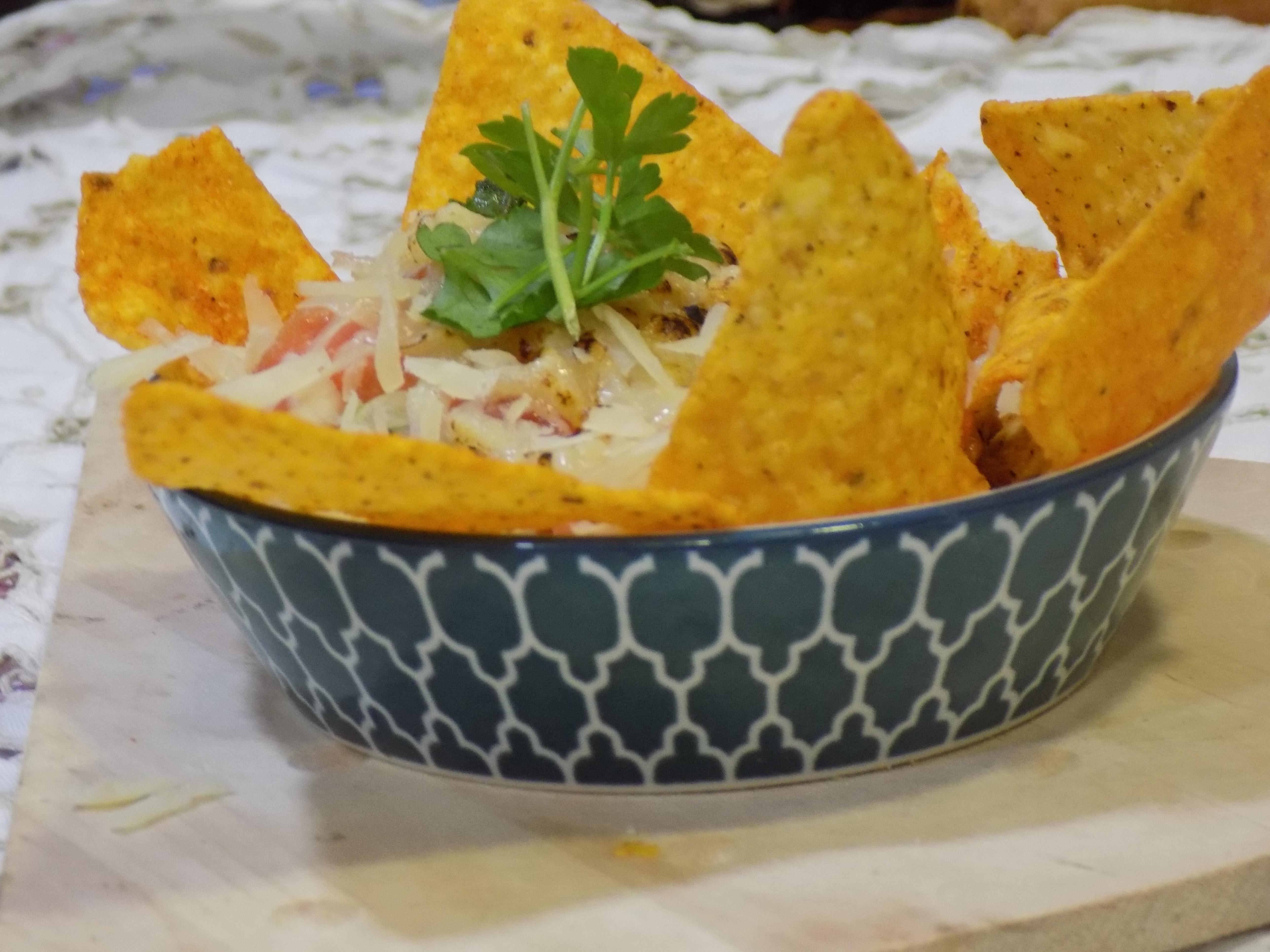 Nachos mexicanos con chile de carne