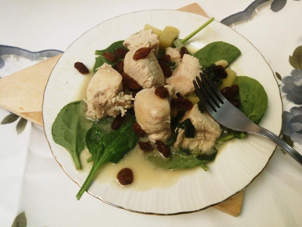 pollo-con-espinacas,manzanas y pasas con Mycook